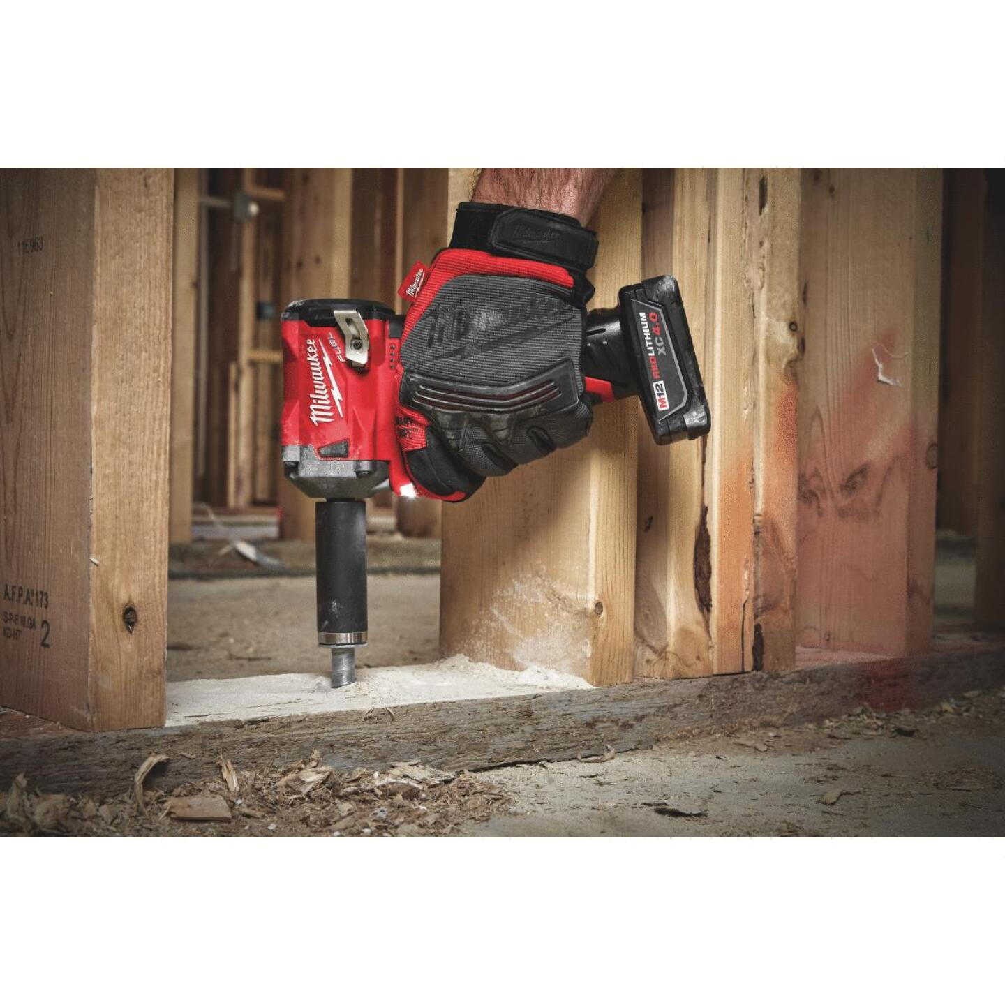 Milwaukee M12 FUEL 12 Volt Lithium-Ion Brushless 3/8 In. Stubby Cordless Impact Wrench Kit Image 3