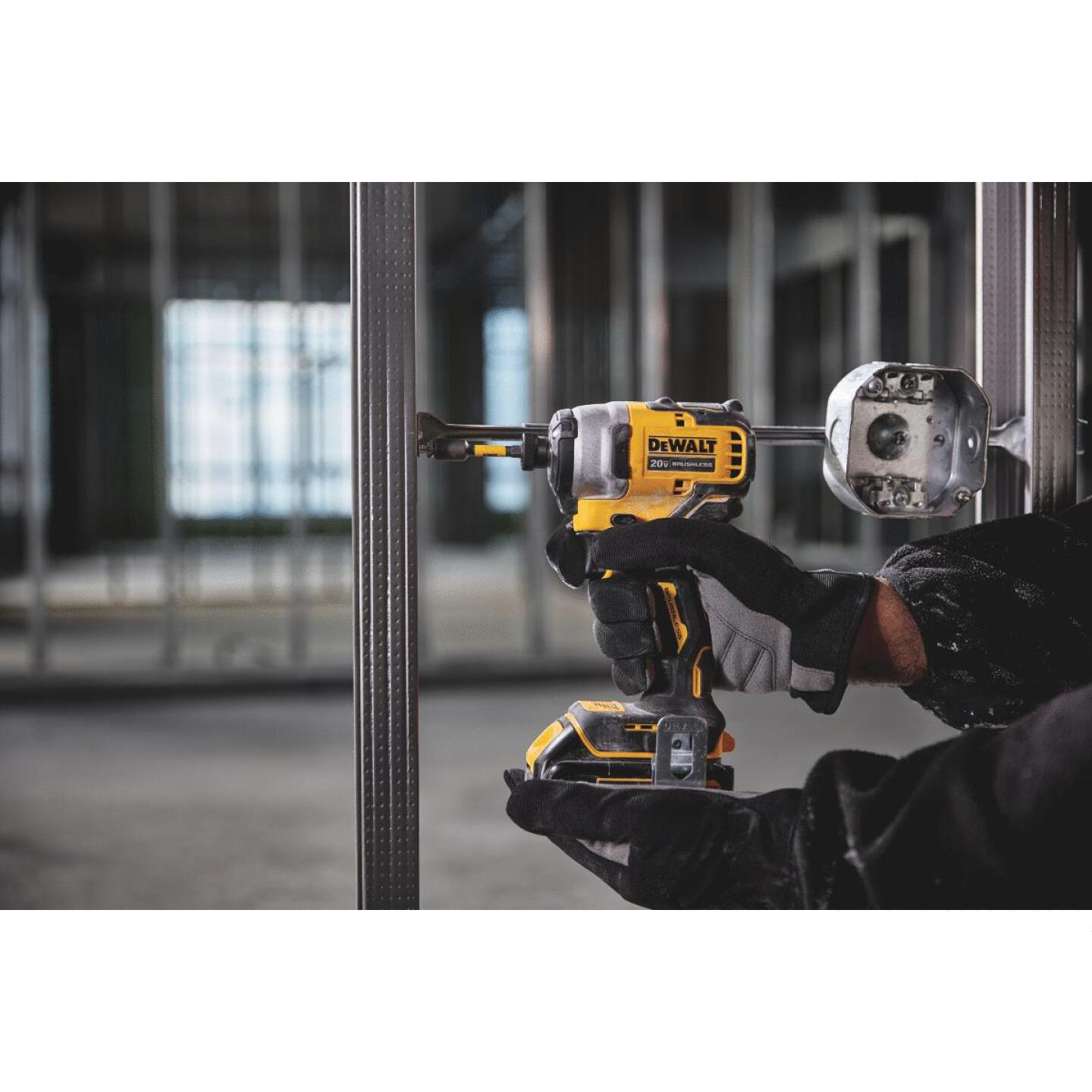 Dewalt Atomic 20 Volt MAX Lithium-Ion 1/4 In. Hex Brushless Cordless Impact Driver Kit Image 2