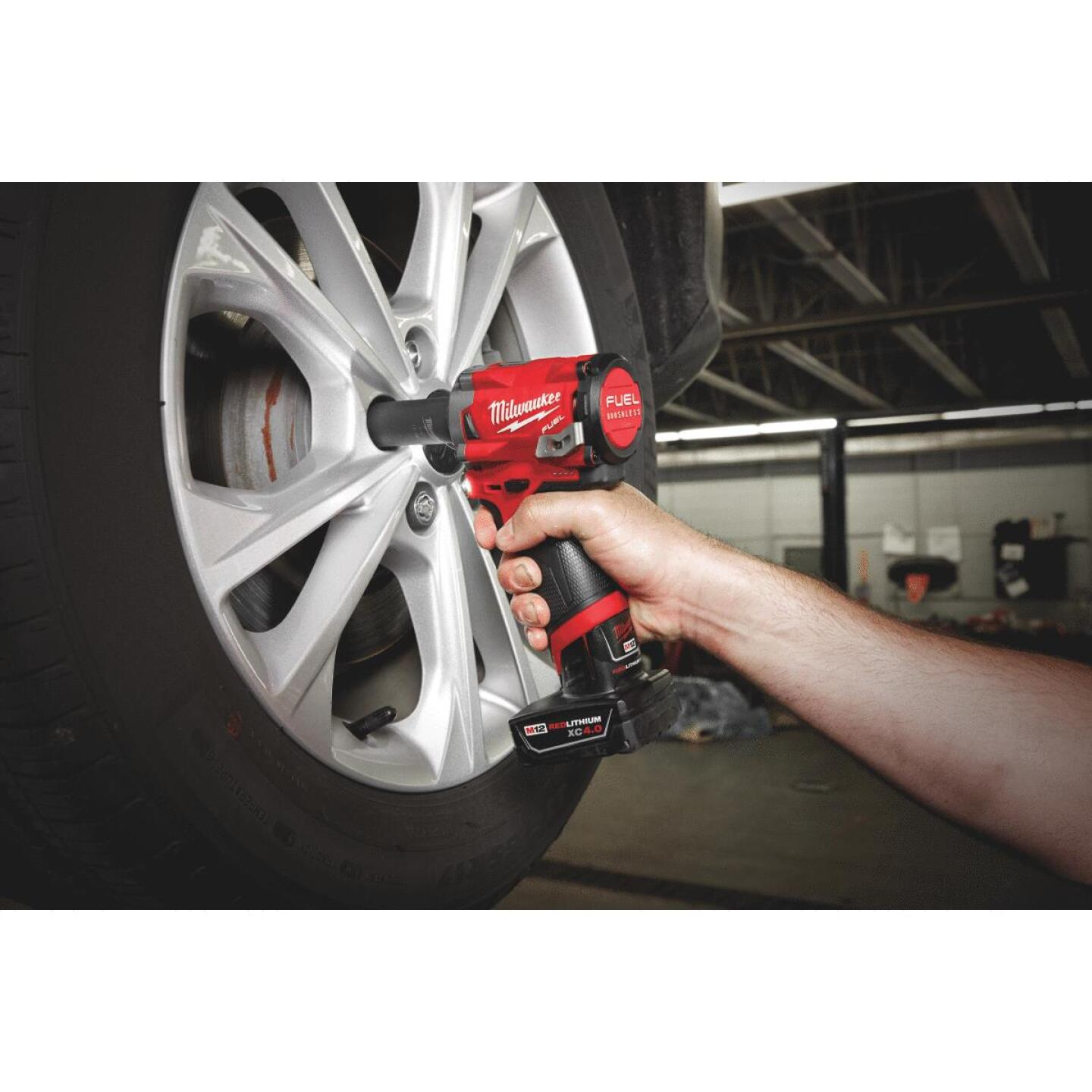 Milwaukee M12 FUEL 12 Volt Lithium-Ion Brushless 1/2 In. Stubby Cordless Impact Wrench (Bare Tool) Image 2