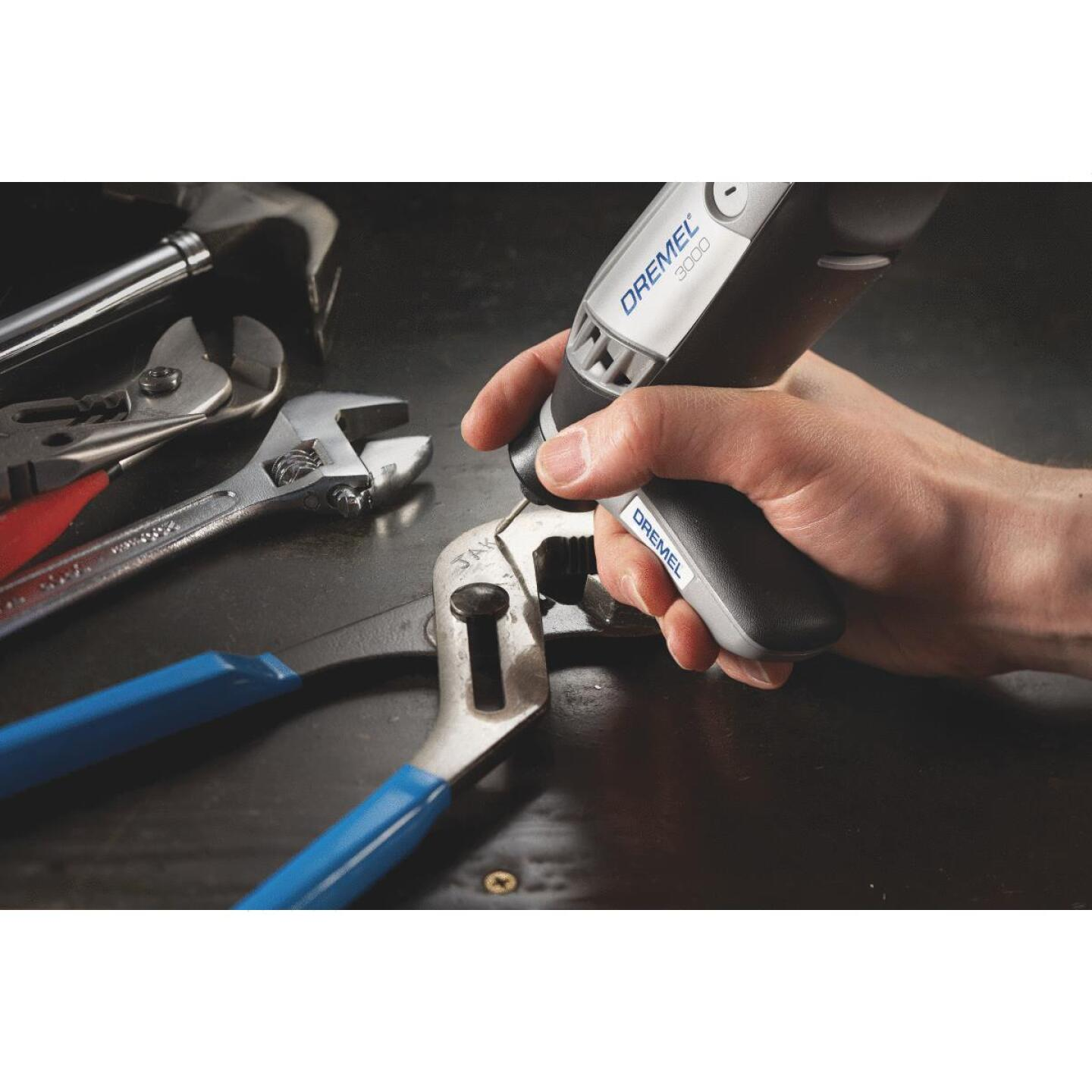 Dremel 120-Volt 1.2-Amp Variable Speed Electric Rotary Tool Kit Image 4