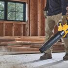 DeWalT 20V MAX XR Brushless Handheld Blower Image 2