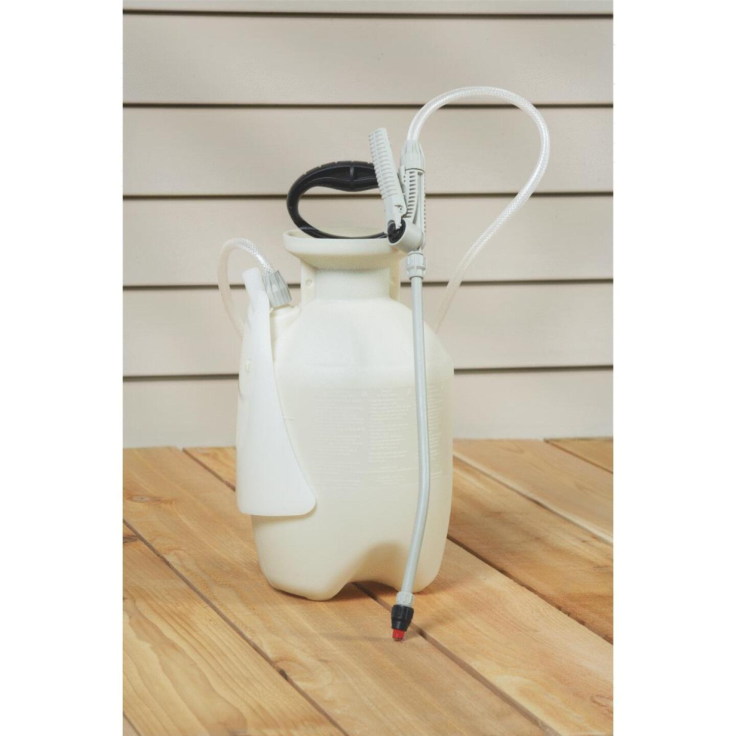 Chapin Clean-N-Seal 1 Gal. Poly SureSpray Deck Sprayer Image 2